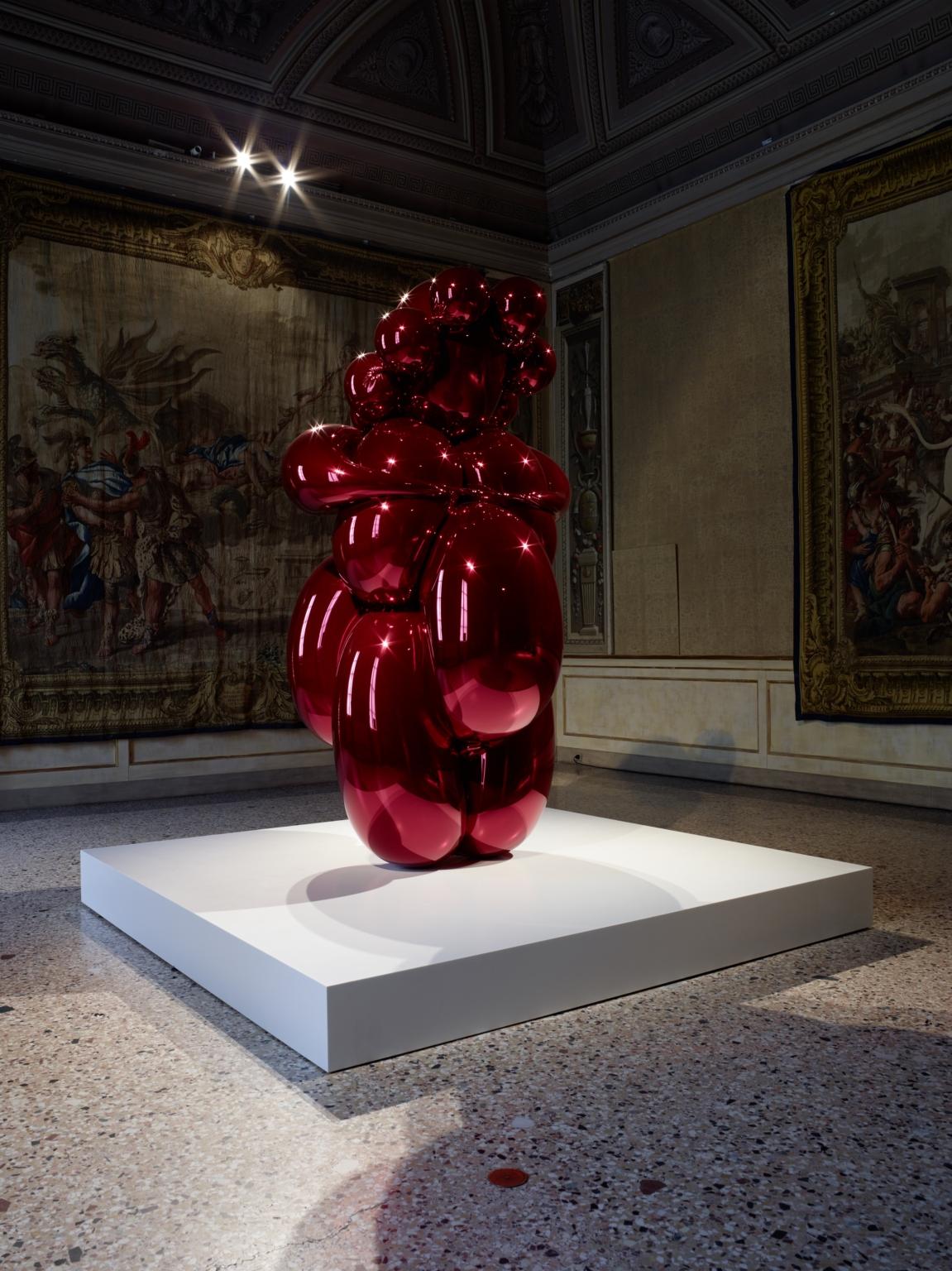 La-Grande Madre Palazzo Reale Milano Jeff Koons foto Marco De Scalzi courtesy Fondazione Nicola Trussardi Milano